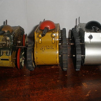 Marx Midget Climbing Fighting Tanks. Tin wind up 1930s-40s - Model Cars