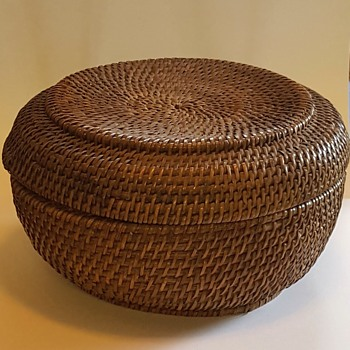 Antique Native American ( ? ) Lidded, lined basket. Help identify please? - Asian
