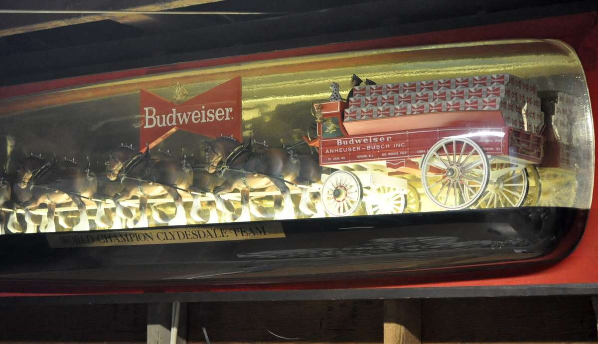 budweiser clydesdale bubble light.... | Collectors Weekly