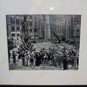 Rockefeller Center Christmas Tree Origin - Photographs