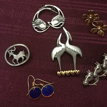 Jewelry lot - Costume Jewelry