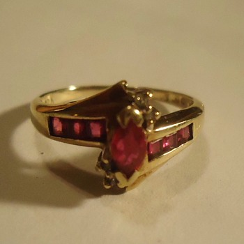 1ok ruby ring, Art Deco, possibly