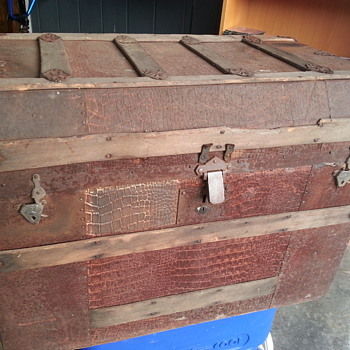 Cool Old Trunk - Furniture