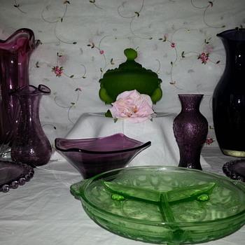 Beautiful Mix of Art Glass and Glassware - Art Glass