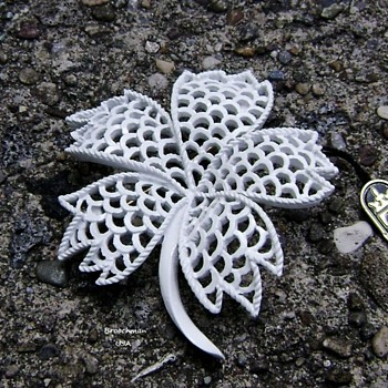 Crown Trifari flower brooch - Costume Jewelry
