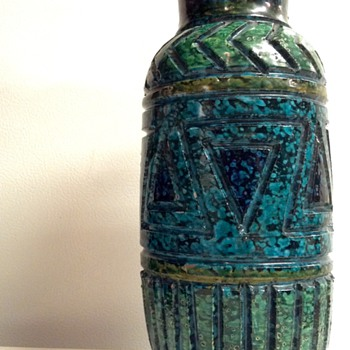 Fratelli Fanciullacci Sgraffito Style Pottery Geometric Relief Vase  - Pottery