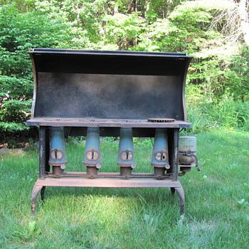 E-Z-est-Stove Works kerosene stove - Kitchen