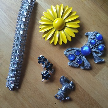 Vintage jewelry finds - Costume Jewelry