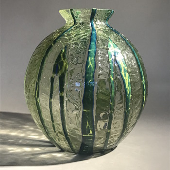 Kralik Bambus Crackle Ball Vase - Art Deco