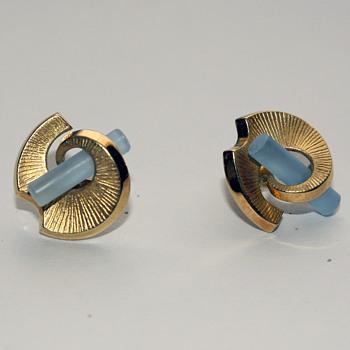 Unmarked but pretty pierced earring :) - Costume Jewelry