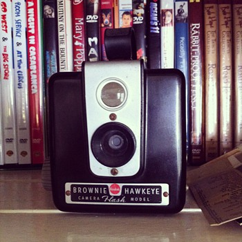 Kodak Brownie Hawkeye camera - Cameras