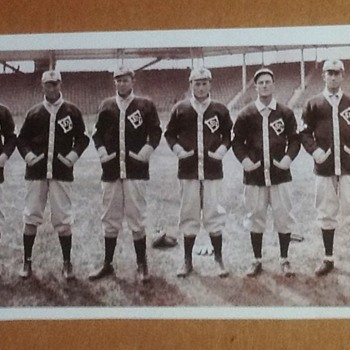 ST.LOUIS BROWNS 1909 BASEBALL TEAM PHOTO