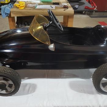 Antique pedal car.. - Toys