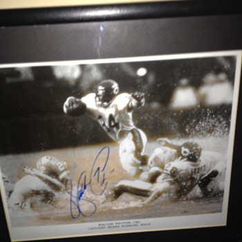 Walter Payton Signed Picture