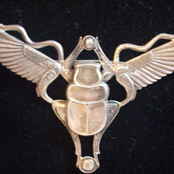 Egyptian Revival- Winged Scarab with Snakes- Brooch in Silver  - Fine Jewelry
