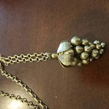 """Were Costume Necklaces and Earrings of 'Grapes' a """"thing/fad""""? - Costume Jewelry"""