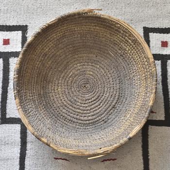Baskets of unknown origin or age - Furniture