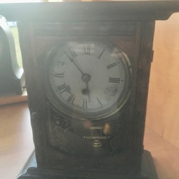 I think this is an old New Haven mantel clock. - Clocks