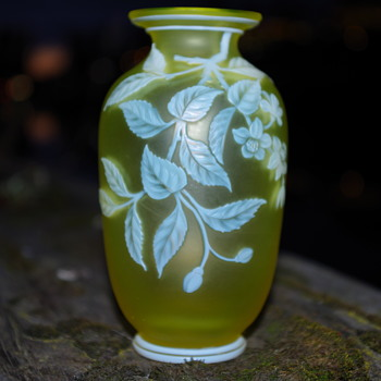 THOMAS WEBB CAMEO GLASS VASE [URANIUM GLASS] SIGNED - Art Glass