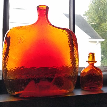 (Embarrassing moment) mid century Empoli decanter  - Art Glass