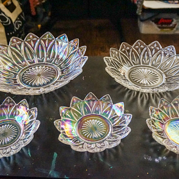 Federal's 'Petal' pattern c1940s-70s; soon to be Yard Art. - Art Glass