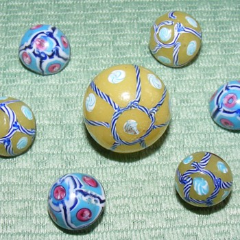 Early Italian Glass Swirlback Buttons - Sewing