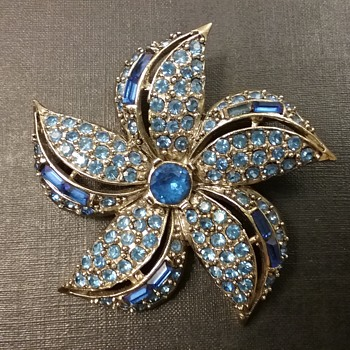 Pell pinwheel flower brooch  - Costume Jewelry