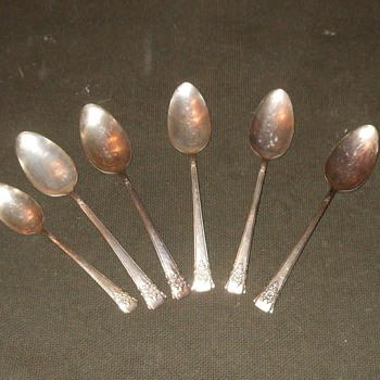 Mountain Rose Rogers Silvert Plate Tablespoons Mid 1950s - Silver