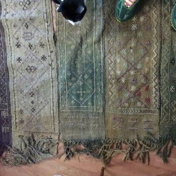 Vintage flat weave rug, what is it?