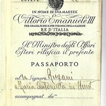 1941 Fascist Italy passport - Paper