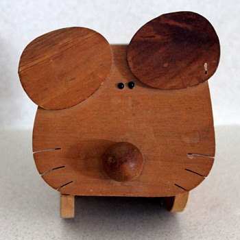 Fun and useful Japanese wooden critters - Animals