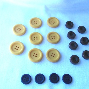 Buttons Buttons Buttons, to bakelite or not to bakelite? - Sewing