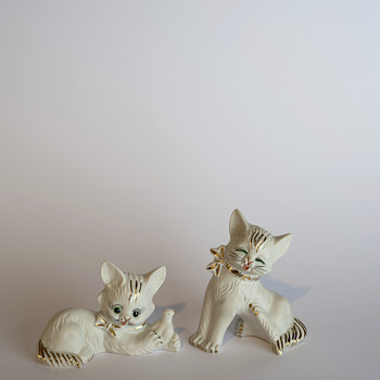 Cat couple in porcelain - Figurines