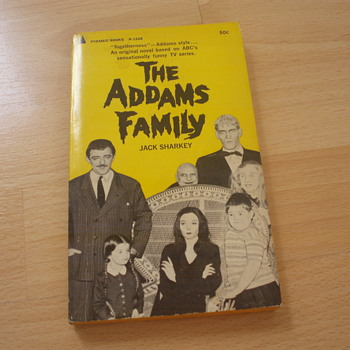 THE ADDAMS FAMILY 1965 - Books