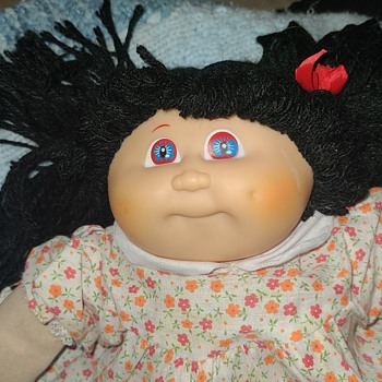 Knock off cabbage patch doll? - Dolls