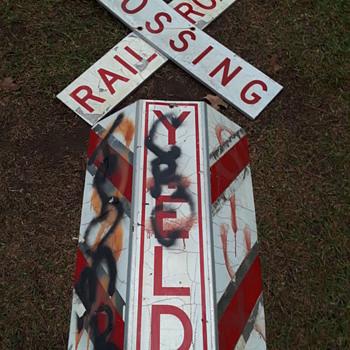 """BUCKEYE CROSSING"" railroad grade crossing signage - Railroadiana"