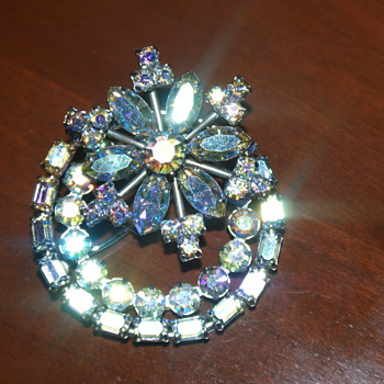 Beautiful Brooch - Could It Be Sherman? - Costume Jewelry