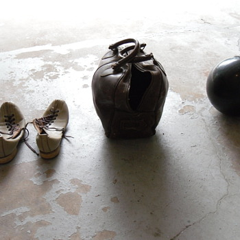 Leather Bowling Bag, ball, shoes. - Sporting Goods