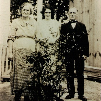 Family photo, circa 1920 ish - Photographs