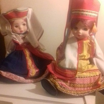 TWO OLD NATIVE DOLLS
