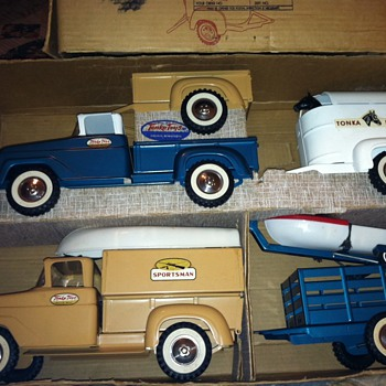vintage tonka trucks - Model Cars