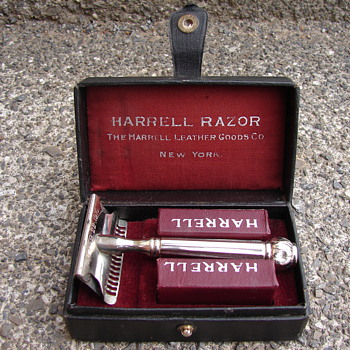 Razor From Harrell Leather Goods Co