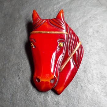 Resin washed horse brooch - Costume Jewelry
