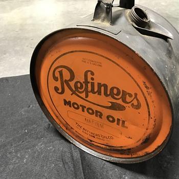 Refiners motor oil 5 gallon rocker can  - Petroliana