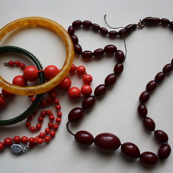 My first bakelite necklace and interesting bangles - Costume Jewelry
