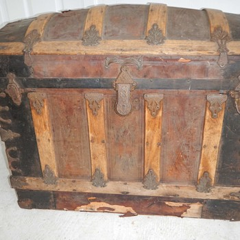 Need help finding out where and when and who made this trunk? Please