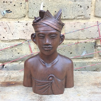 1930 Bali wooden carved bust Klungkung Warrior signed YT - Asian