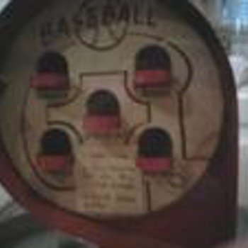 VINTAGE GUMBALL MACHINE / BASEBALL - Coin Operated