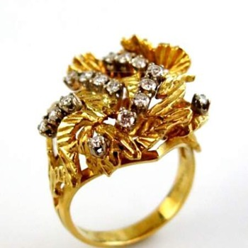 Stunning cocktail ring