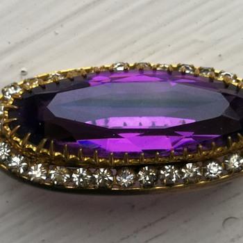 Deep purple - antique brooch that rocks - Fine Jewelry